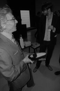 Chaussures Slippers et chaussettes roses, Jean-Pierre Dionnet est #prixdustyle pour @ActuaLitte